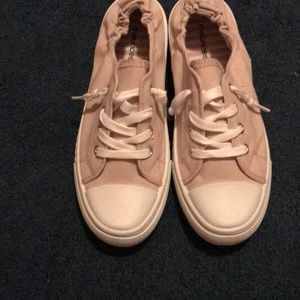 Maurices pale pink tennis shoes size 8